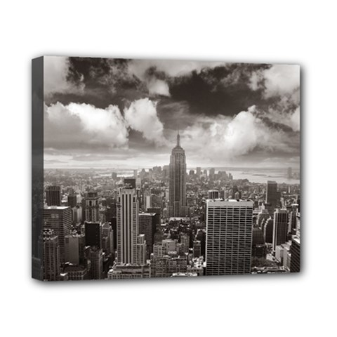 New York, Usa 8  X 10  Framed Canvas Print by artposters