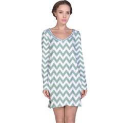 Jade Green And White Zigzag Long Sleeve Nightdress by Zandiepants