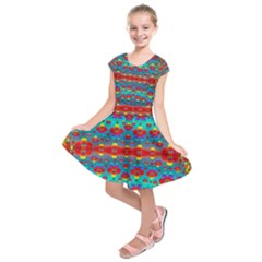 Peace Flowers And Rainbows In The Sky Kids  Short Sleeve Dress