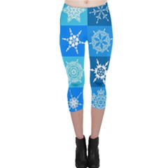 Seamless Blue Snowflake Pattern Capri Leggings