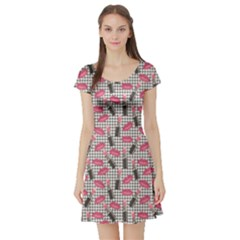 Pink Tweed Pattern Kissing Lips Lipsticks Liners Short Sleeve Skater Dress by CoolDesigns