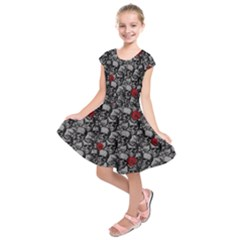 Skulls And Roses Pattern  Kids  Short Sleeve Dress by Valentinaart
