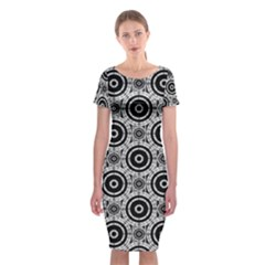 Geometric Black And White Classic Short Sleeve Midi Dress by linceazul