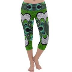 Fractal Art Green Pattern Design Capri Yoga Leggings