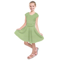 Gingham Check Plaid Fabric Pattern Kids  Short Sleeve Dress