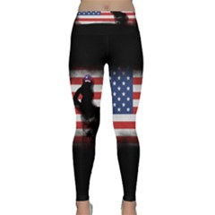 Honor Our Heroes On Memorial Day Classic Yoga Leggings by Catifornia