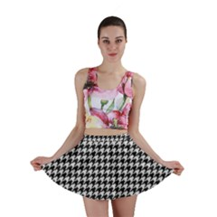 Friendly Houndstooth Pattern,black And White Mini Skirt by MoreColorsinLife