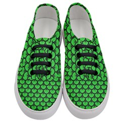 Scales3 Black Marble & Green Colored Pencil (r) Women s Classic Low Top Sneakers