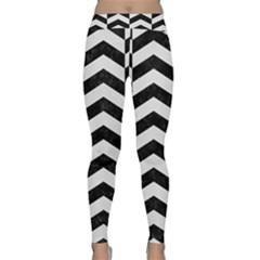 Chevron2 Black Marble & White Linen Classic Yoga Leggings
