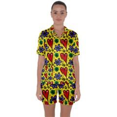 Seamless Tile Repeat Pattern Satin Short Sleeve Pyjamas Set