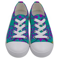 Raining Love And Hearts In The  Wonderful Sky Kids  Low Top Canvas Sneakers