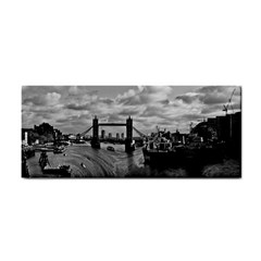 River Thames Waterfall Hand Towel by Londonimages
