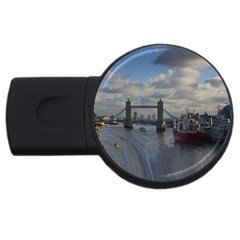 Thames Waterfall Color 4gb Usb Flash Drive (round) by Londonimages