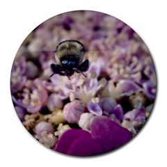 Flying Bumble Bee 8  Mouse Pad (round) by Elanga