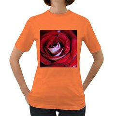 Red Rose Center Women s T Shirt (colored) by bloomingvinedesign