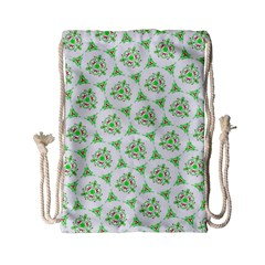 Sweet Doodle Pattern Green Drawstring Bag (Small) by ImpressiveMoments