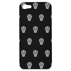 Skull Pattern Bw  Apple Iphone 5 Hardshell Case by MoreColorsinLife
