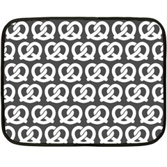 Gray Pretzel Illustrations Pattern Fleece Blanket (mini)