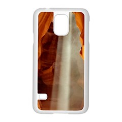 Antelope Canyon 1 Samsung Galaxy S5 Case (white) by trendistuff