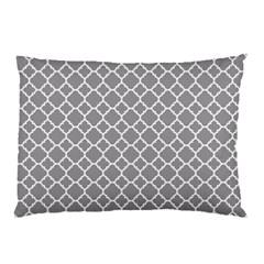 Grey Quatrefoil Pattern Pillow Case (two Sides) by Zandiepants