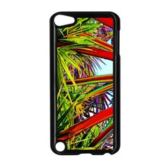 Kostenloses Leaves Apple iPod Touch 5 Case (Black) by AnjaniArt