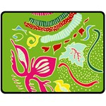 Green Organic Abstract Fleece Blanket (Medium)