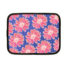 Pink Daisy Pattern Netbook Case (small)  by DanaeStudio