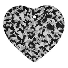 Camouflage Tarn Texture Pattern Ornament (heart) by Onesevenart