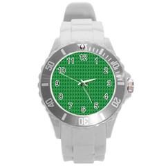 Clovers On Dark Green Round Plastic Sport Watch (L)