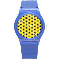 Yellow Fractal In Kaleidoscope Round Plastic Sport Watch (s) by Amaryn4rt