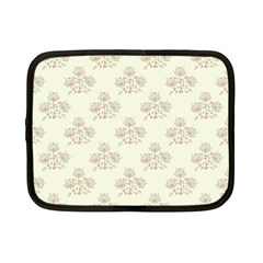 Seamless Floral Pattern Netbook Case (small)  by TastefulDesigns