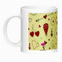 Valentinstag Love Hearts Pattern Red Yellow Night Luminous Mugs by EDDArt