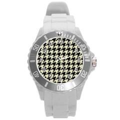 Houndstooth2 Black Marble & Beige Linen Round Plastic Sport Watch (l) by trendistuff