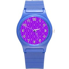 Decorative Seamless Pattern  Round Plastic Sport Watch (s) by TastefulDesigns