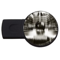 Black And White Hdr Spreebogen Usb Flash Drive Round (2 Gb) by Nexatart