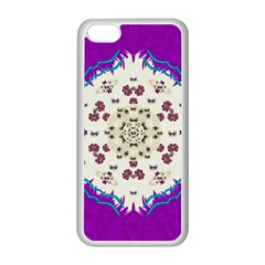 Eyes Looking For The Finest In Life As Calm Love Apple Iphone 5c Seamless Case (white) by pepitasart