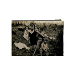 Johns Famliy Bag By Hannah Pagan   Cosmetic Bag (medium)   Uxrcaomjmg0x   Www Artscow Com Back