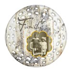 Family Filigree Double sided round ornament - Round Filigree Ornament (Two Sides)