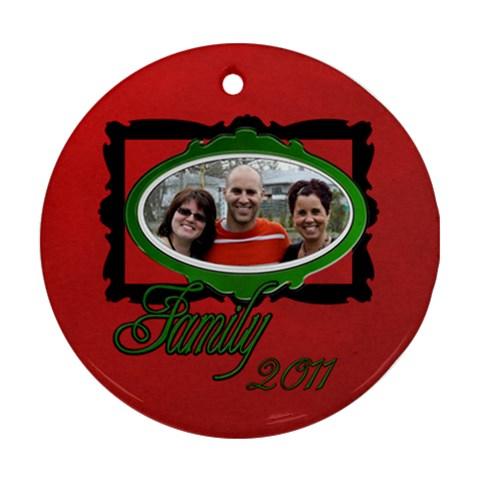 Pizza Family By Patricia W   Ornament (round)   Bqmm6dxvfyai   Www Artscow Com Front